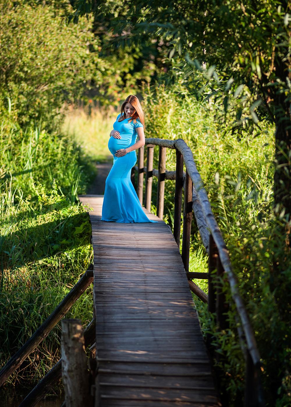 zdjęcia ciążowe nad rzeką