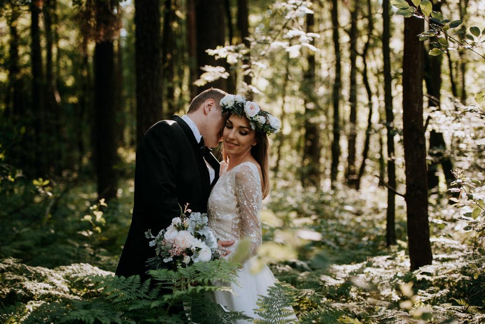plener ślubny w paprociach